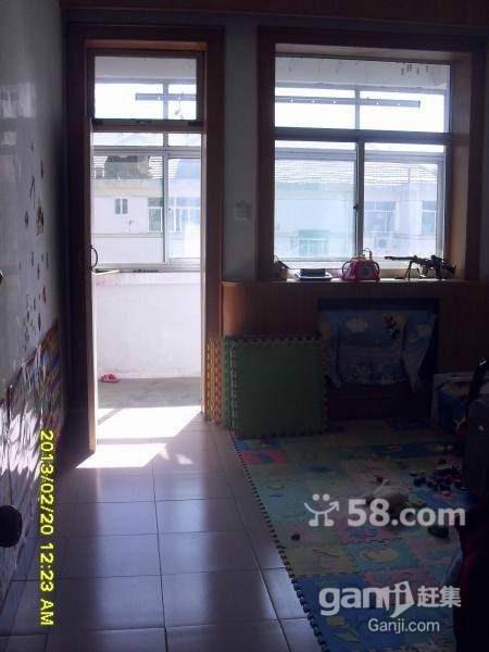 棉麻宿舍 3室2厅 双证齐全过五年 简装 62万