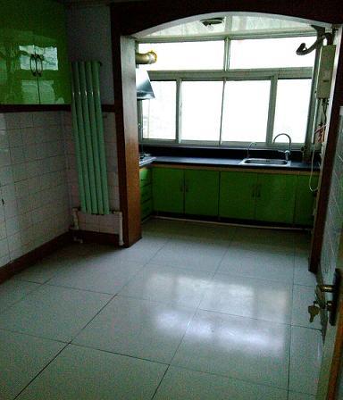 晶峰宿舍 2室1厅 过五年 简装 39万