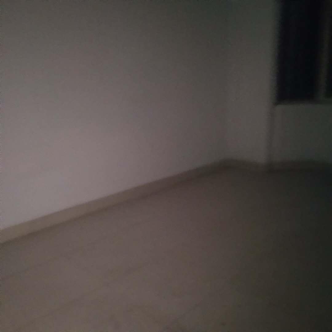 三和竹园 5室2厅  毛坯 95万