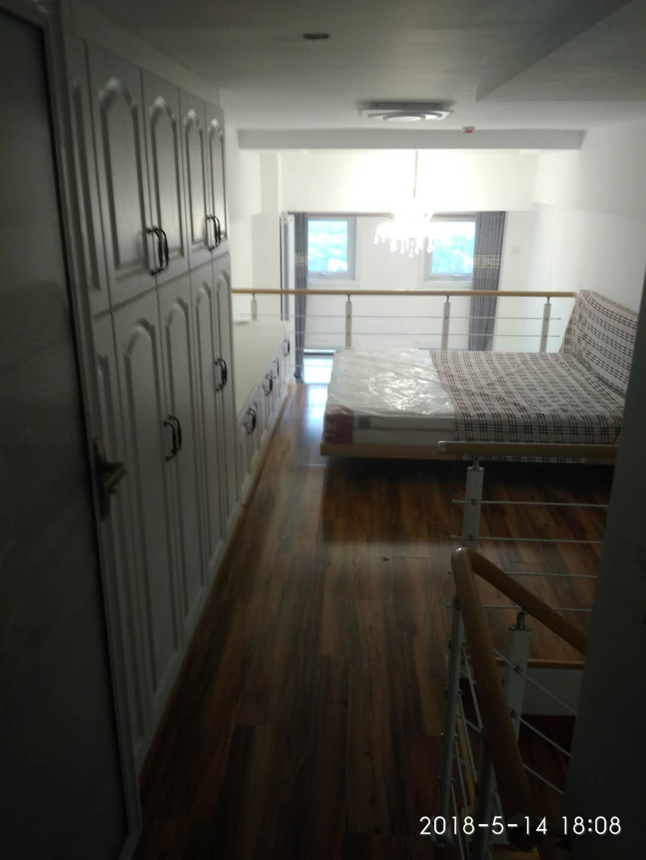 唐人D区(公寓)LOFT 1室1厅 18楼