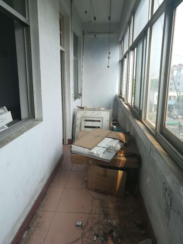 交通局宿舍 2室1厅  简装 64.6万房型图