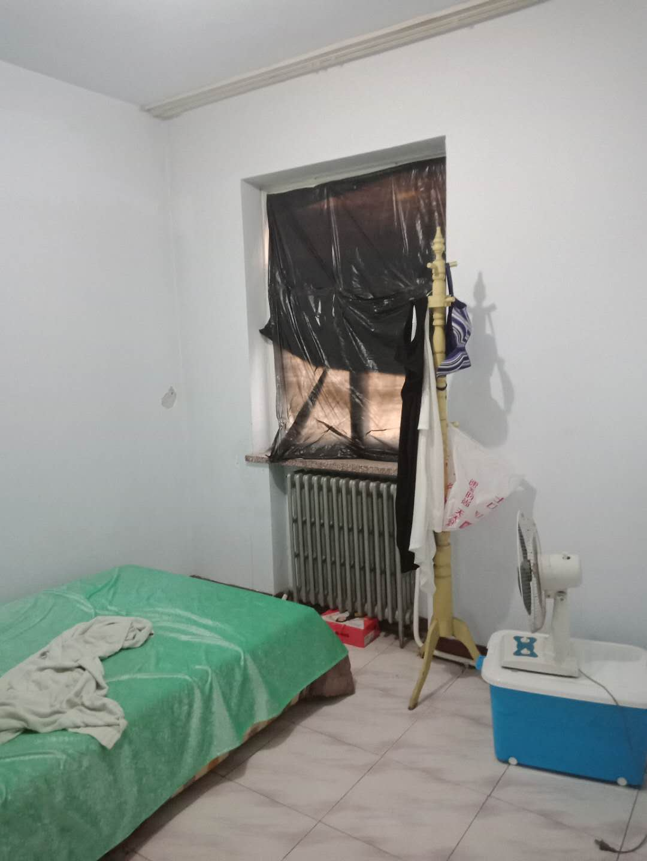 铁路宿舍(上沿) 2室1厅 过五年 简装 36万