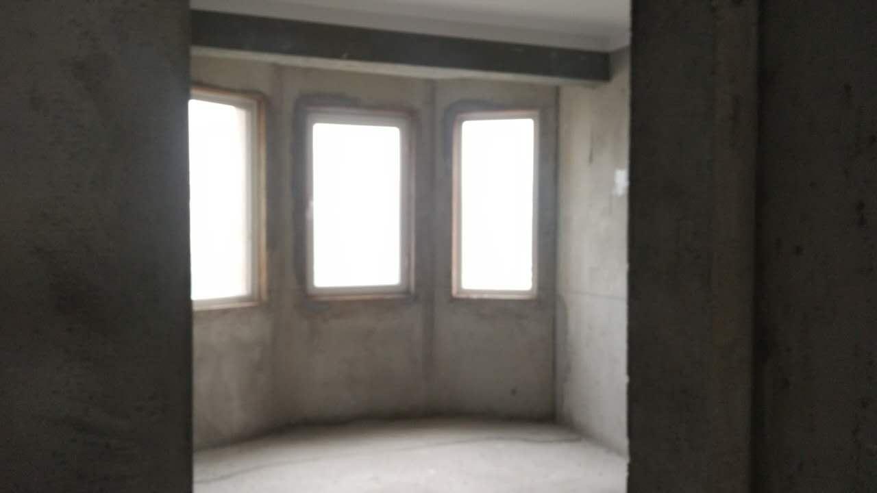 月亮湾 3室2厅 双证齐全 毛坯 125万房型图