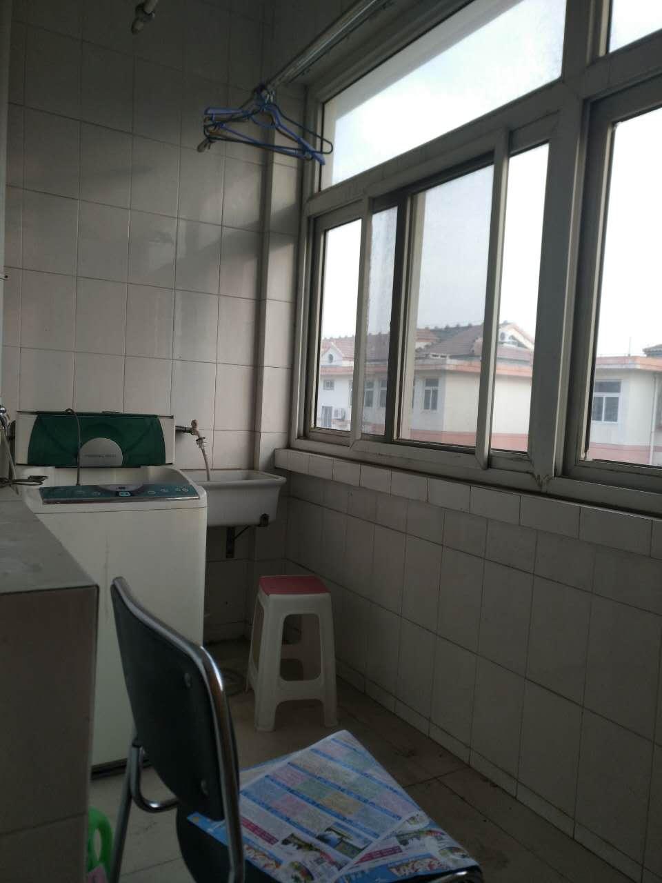 青龙潭小区 2室2厅 双证齐全过五年 简装 78万房型图