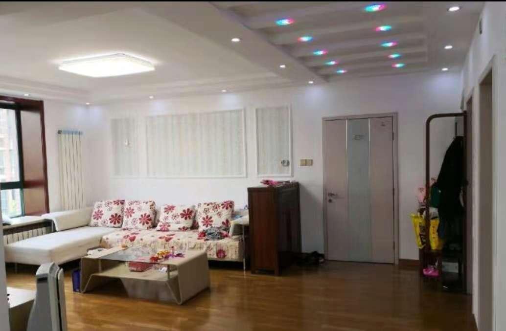 新华路住宅小区东区 2室2厅 双证齐全过五年 精装 130万