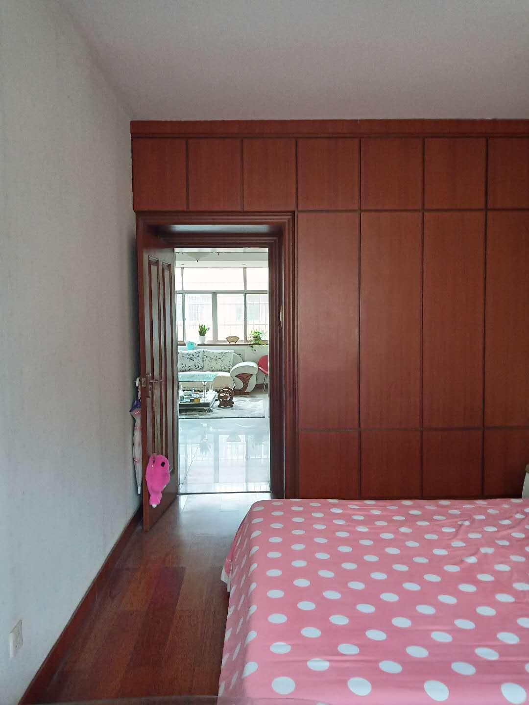 铁路宿舍(下沿) 3室2厅  精装 128万