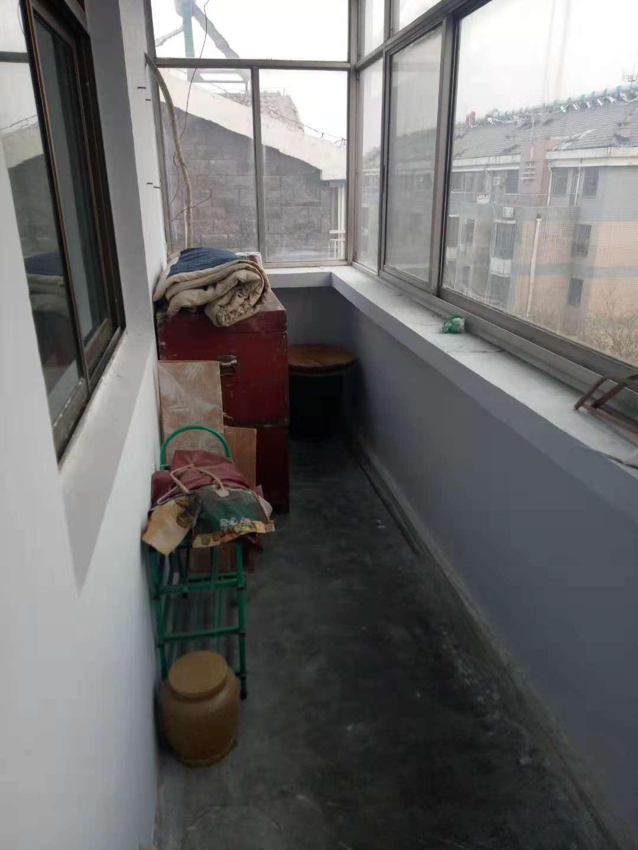 电视台宿舍(贵都花园) 2室2厅 双证齐全 简装 58万
