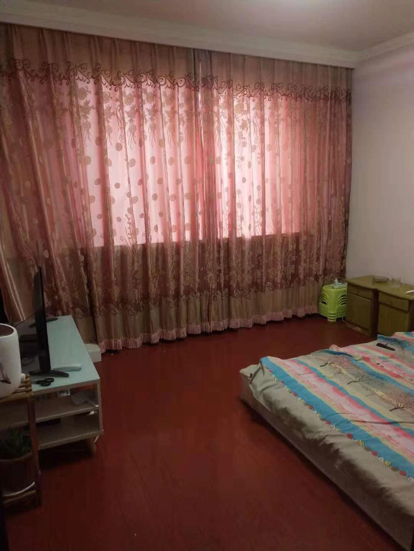 三和梅园 2室1厅  精装 18.5万