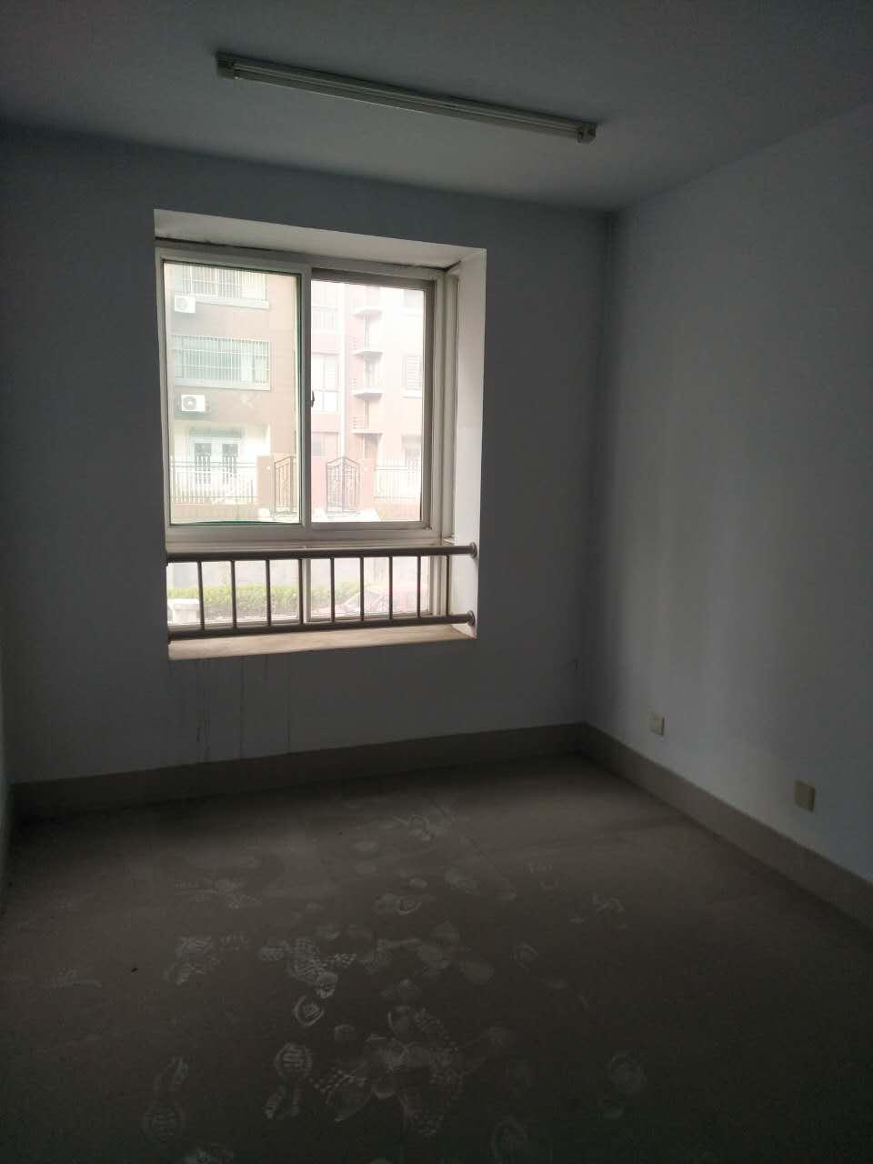 地税局宿舍 3室2厅  简装 125万房型图