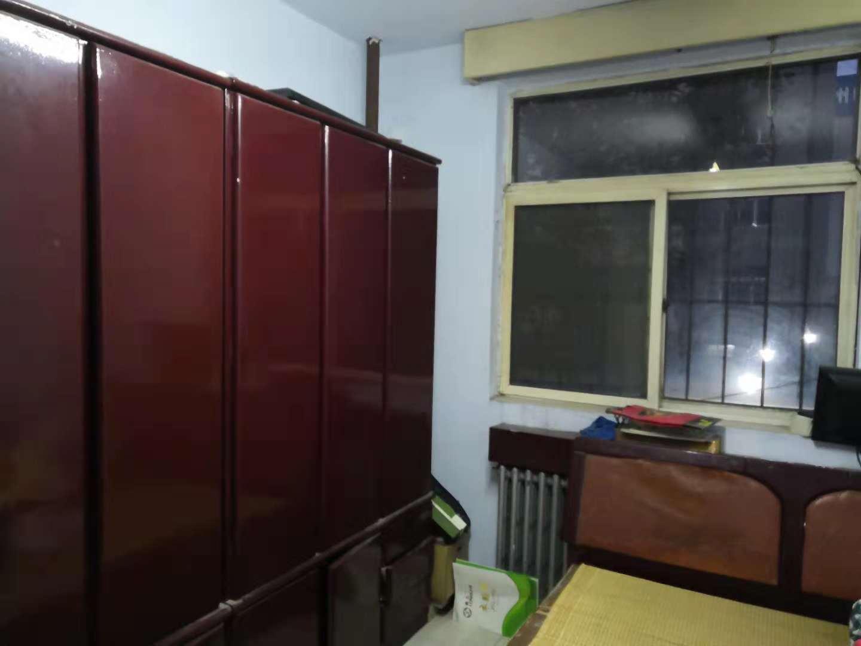 市委宿舍 3室2厅 双证齐全 简装 85万
