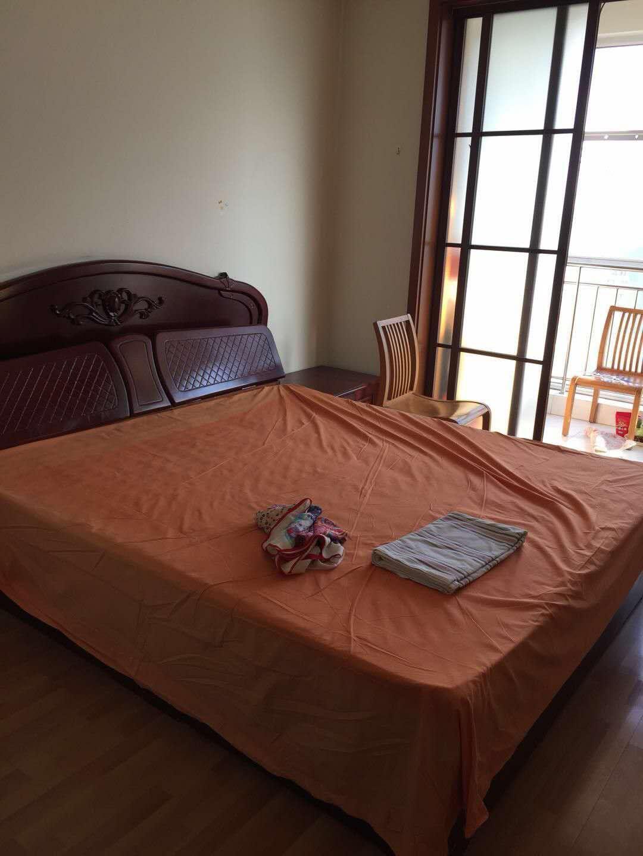 鲁班御景园 1室1厅 5楼