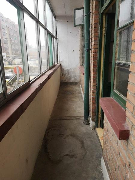 烟厂宿舍 3室2厅  简装 70万房型图