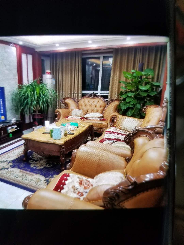 新湖家园 3室2厅  简装 215万